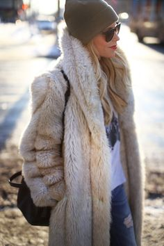 Clothes outfit for woman * teens * dates * stylish * casual * fall * spring * winter * classic * casual * fun * cute* sparkle * summer *Candice Wicks Fall Winter Outfits, Winter Wear, Autumn Winter Fashion, Winter Chic, Best Street Style, Autumn Street Style, Fashion Mode, Fur Fashion, Petite Fashion