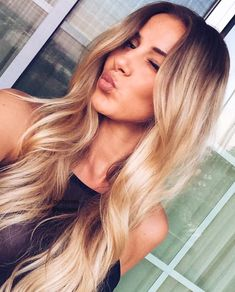 Gorgeous hair/Blonde hair. Love this look. Stop by Top Level Salon for this look. #TopLevelSalon Follow us on IG or FB @TopLevelSalon