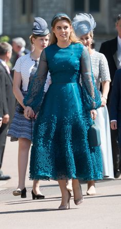 Princess Beatrice of York. Classy Dress, Classy Outfits, Chic Outfits, Lovely Dresses, Elegant Dresses, Blue Dresses, African Fashion Dresses, African Dress, Jackie Kennedy