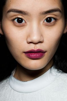 Asian makeup. Lipcolor.