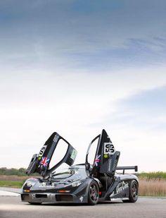 Priceless display of McLaren!  #cars