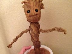 Learn how to make your own dancing baby Groot toy from Guardians of the Galaxy thanks to artist Patrick Delehanty. Baby Groot, Groot Toy, Geek Crafts, Crafts To Do, Party Crafts, Holiday Crafts, Dancing Baby, Geek Decor, Make Your Own