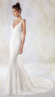 4b521eec3b Fehér Esküvői Ruhák, Esküvői Ruhák, Karikagyűrűk, Menyasszonyok,  Menyasszonyi Frizurák, Esküvői Outfitek