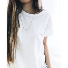 Costume jewelry inspired by modern art and vintage pieces - Happiness Boutique Delicate necklace with a connected circle – 1 Girly Outfits, Simple Outfits, Cute Outfits, Fashion Outfits, Fashion Tips, Fashion Bloggers, Summer Outfits, Berlin, Vintage Inspired Outfits