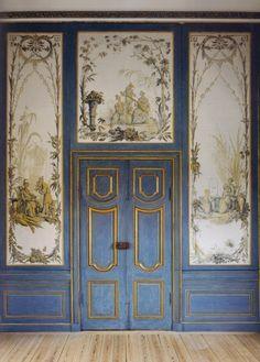 Chinoiserie interior at the Kina Slott, Drottningholm, via Jane Love. [I love the blue and gold.]