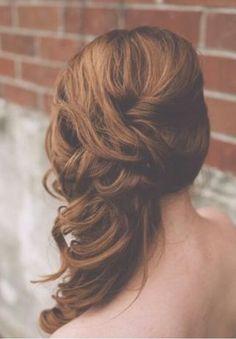 Peinado recogido de lafo con ondas