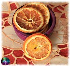 Le plaisir des oranges séchées dont la couleur égaiera votre intérieur. Idéal pour les pots pourris, les savons, les sels de bains, les bougies, les créations artisanales, les orgonites ou en encore vos offrandes rituelles. Tranches D'orange, Pot Pourri, Grapefruit, Creations, Food, Salts, Incense, Art Crafts, Soaps
