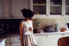 این خانه بدونِ تو مثل یه قبر است با دو خواب و تراسی بزرگ که رو به خودکشی باز میشود! #کیوان_میرشاهی