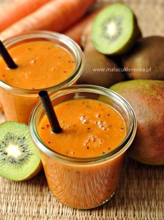 Smoothie z mango kiwi i marchewką - Mała Cukierenka Kiwi Smoothie, Smoothie Drinks, Fruit Smoothies, Smoothie Recipes, Easy Diet Plan, Low Carb Diet Plan, Healthy Breakfast Smoothies, Healthy Drinks, Healthy Juices
