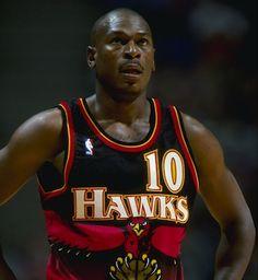 545550b086b Former NBA All-Star guard Daron Mookie Blaylock was injured in a car  accident in Georgia.