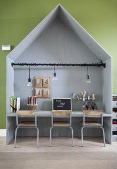 DIY Children area: office cottage made of underlaymen   Make-over by Kim van Rossenberg   episode 5 vtwonen doe-het-zeld