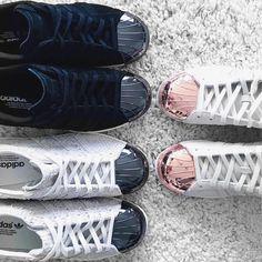 metal cap sneakers. x  #millionmamas