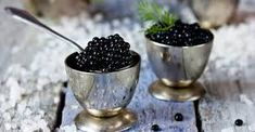 Apply This Ingredient To Get Glowing Skin Within A Week Caviar is one of the most expensive foods in the world. It is very nutritious and does our body a world of good – but did you know that it works Beluga Vodka, Most Expensive Food, Our Body, Organic Skin Care, Caviar, Glowing Skin, How To Apply, Fruit, Food Pairing