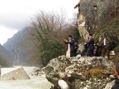 Αετός των Τζουμέρκων: Στα ερείπια του γεφυριού της Πλάκας…