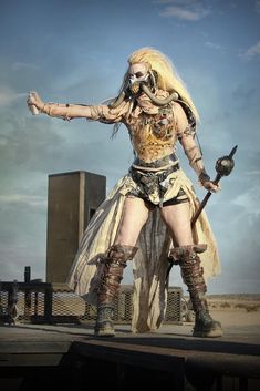Wasteland Weekend A Outrageous Post-Apocalyptic Party in California's Mojave Desert Fete Halloween, Diy Halloween Costumes For Women, Last Minute Halloween Costumes, Diy Costumes, Costume Ideas, Halloween Ideas, Group Halloween, Halloween Makeup, Maleficent Halloween