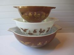 Vintage Pyrex Early American Cinderella Mixing Bowls Set of Three on Etsy, $32.50