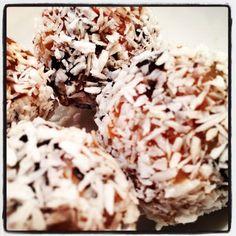 Low cal healthy dessert, no sugar, no flour ... just yumminess!