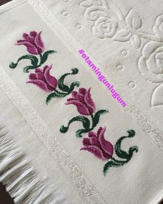 Cross Stitch Embroidery, Diy And Crafts, Design, Cross Stitch Rose, Cross Stitch Patterns, Hand Embroidery Flowers, Bath Linens, Cross Stitch Designs, Embroidered Towels