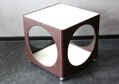 Cube Tisch Beistelltisch Ablage braun weiß 70er von wohnraumformer auf DaWanda.com