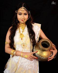 Bengali Wedding, Bengali Bride, Indian Bridal, Beautiful Women Pictures, India Beauty, Bridal Portraits, Bridal Makeup, Beautiful Bride, Wonder Woman