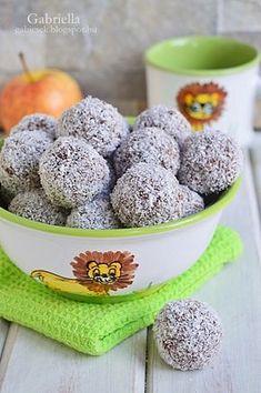 Gabriella kalandjai a konyhában :): Zabpelyhes almás golyók