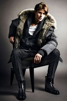 Tom Ford Fall 2014 Menswear Collection from HEspiration.com — MORE » FASHION / GUYS / GIRLS / CARS — WEBSITE / PINTEREST / TWITTER / FACEBOOK / INSTAGRAM / TUMBLR
