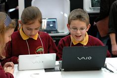 Kids playing with the new Sony Vaio P (and a Vaio TT) at the BETT show in London.     Viettel IDC   Co-location   Dedicated Server   Hosting   Domain   Vps   Email   Cloud Computing ...