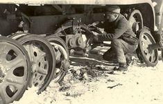 Repairing a FAMO suspension.