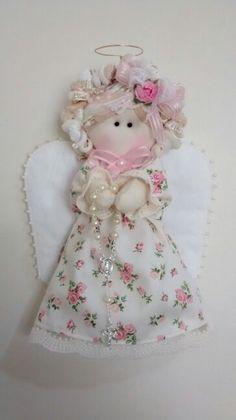Anjinha em tecido floral ... 18 cm