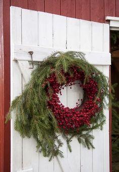 outdoor Christmas wreath