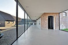 uitbreiding boerderij keesmarcelis.nl Industrial Farmhouse, Modern Farmhouse, Contemporary Architecture, Architecture Details, Garage Extension, Barn Living, House Extensions, Glass House, Interior And Exterior