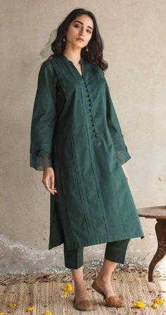 Pakistani Fashion Party Wear, Pakistani Fashion Casual, Pakistani Dresses Casual, Indian Fashion Dresses, Pakistani Dress Design, Indian Designer Outfits, Muslim Fashion, Fancy Dress Design, Stylish Dress Designs