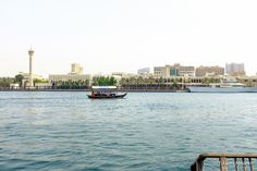 barco que faz a travessia do Dubai Creek. Sua chance de se misturar com os moradores da cidade.