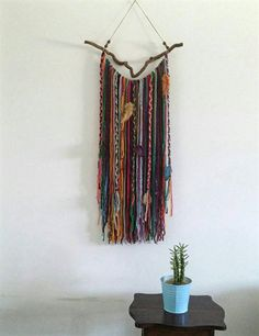 Yarn wall hanging for Bohemian Decor home, Boho Garland, Wall Tapestry Yarn Wall Art, Feather Wall Art, Yarn Wall Hanging, Diy Wall Art, Wall Hangings, Bohemian Design, Bohemian Decor, Bohemian Wall Art, Coloured Feathers