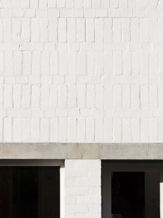 Ryan W. Kennihan - St Catherine's House, Dublin Photos © Aisling McCoy. Dublin House, Composition Design, House Extensions, White Paints, Interior And Exterior, Architecture, Outdoor Decor, Home Decor, Terraced House