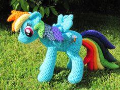 Rainbow Dash Pattern  My Little Pony par NerdyKnitterDesigns, $4.95