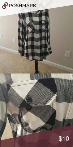 Black and white plaid blouse. Super soft and only worn ince. Size small but runs big! Seven7 Tops Button Down Shirts