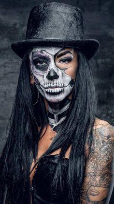 Creepy Halloween Makeup, Pumpkin Halloween Costume, Amazing Halloween Makeup, Scary Makeup, Halloween Makeup Looks, Women Halloween, Voodoo Makeup, Halloween 2020, Dead Makeup