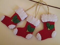 Christmas Ornaments - Felt Ornaments - Handmade ornaments - Tre decori in feltro con Calza di Natale  di TinyFeltHeart su Etsy