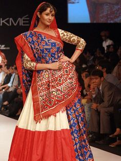 Tired of the same old saree drape? Here are some traditional saree draping styles from different regions of India, to give you all the inspiration you need.