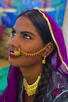 Maurea, beautiful Kalbelia girl in Pushkar | by Bertrand Linet