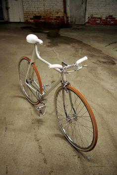 Funkster/ hipster/freak - straight into Bikes Beyond Belief @PrestigeCycles0 @Bearonn @PaulMcElvis