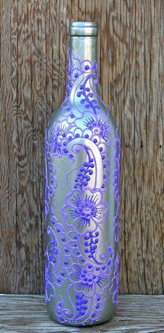 Hand geschilderd wijn fles vaas Up gefietst zilver door LucentJane