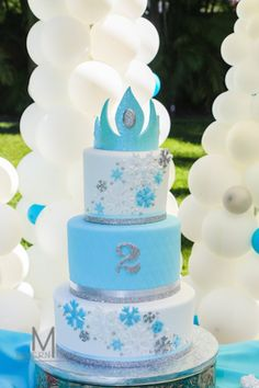 Disney's Frozen inspired birthday party with Such Cute Ideas via Kara's Party Ideas | Cake, decor, cupcakes, games and more! KarasPartyIdeas.com #frozenparty #frozen #partideas #partydecor (20)