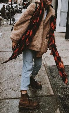 Sweet Cozy Warm Fall Back to School Outfit Ideas for Teenagers for College – Aurora Popular Oversized Soft Comfy Sherpa Teddy Jacket Pixie Coat I'm Gia Dupe – www.Glamantibeaut … , cute street style fall outfit ideas for women ,… Continue Reading → Outfits Casual, Outfits For Teens, Cute Outfits, Hipster Outfits For Women, Black Outfits, Work Outfits, Trend Fashion, Autumn Fashion, Fashion Outfits