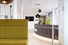 Im Eco-Suite Hotel Salzburg erwarten Sie moderne Zimmer mit Frühstück sowie Küchenzeile in jeder Suite. Verbringen Sie einen grünen Urlaub in Salzburg. Salzburg, Vacation