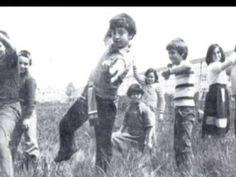 Παλιά Παιδικά Παιχνίδια   Old children's games Old Games, Games For Kids, Greece Pictures, Good Old Times, Have A Good Night, Ansel Adams, Big Love, Summer Of Love, Old Photos
