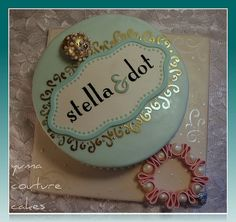 Yuma Arizona Cake - Stella and Dot by Yuma Couture Cakes  Love the painted swirls