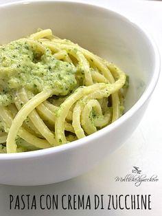 La pasta con crema di zucchine è un primo piatto delicatissimo e d'effetto, buona, cremosa e facile da preparare, è perfetta se avete poco tempo per...
