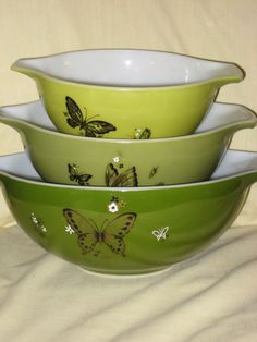 butterfly pyrex---i've never seen this pattern